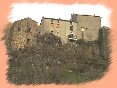 Maisons sur le rocher